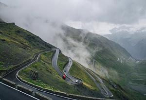 Foggy-Mountains-300